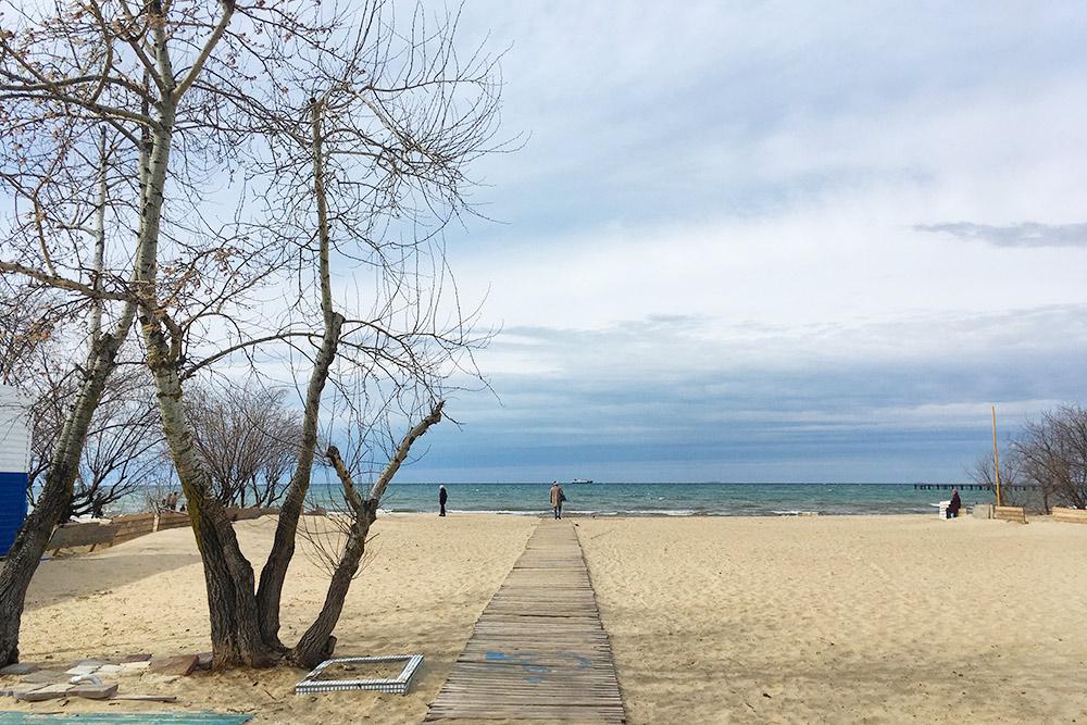 Вмежсезонье напляже хочется срочно превратиться врежиссера иснять лиричную короткометражку