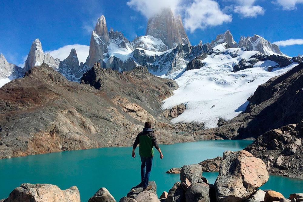 В Патагонии все поражает воображение: цвета, ландшафты, сочетание гор, озер и ледников. На фото вид на гору Фицрой, которого мне пришлось дожидаться три недели. В статье расскажу, как так вышло