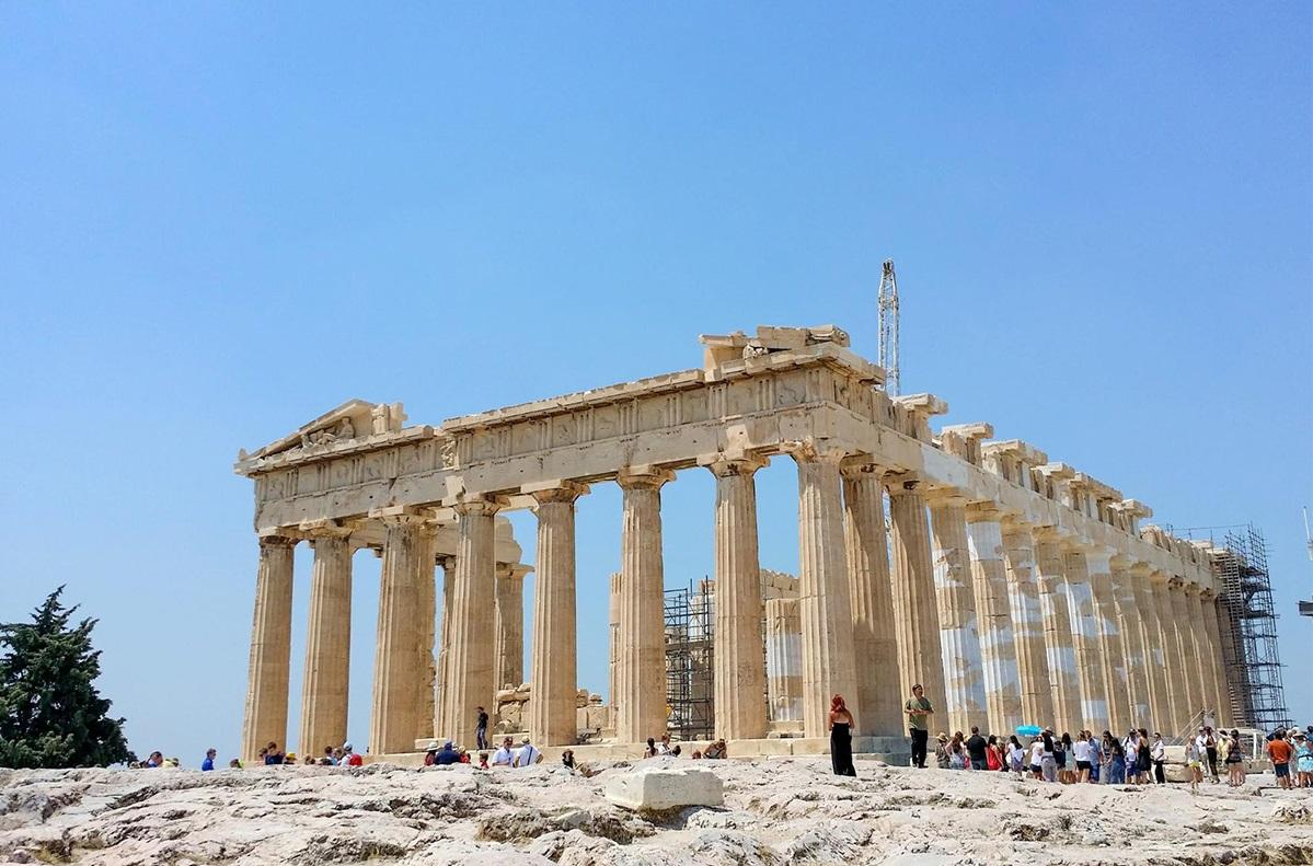 В Акрополь обязательно берите воду и шляпу
