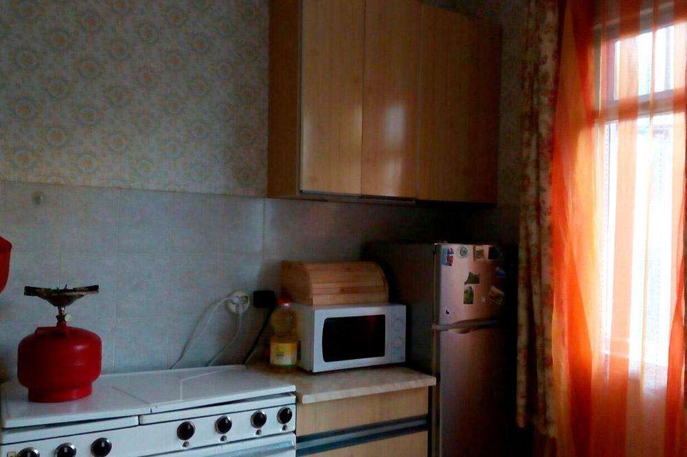 Наталья экономит на электричестве и готовит еду не на плите, а на газовой горелке