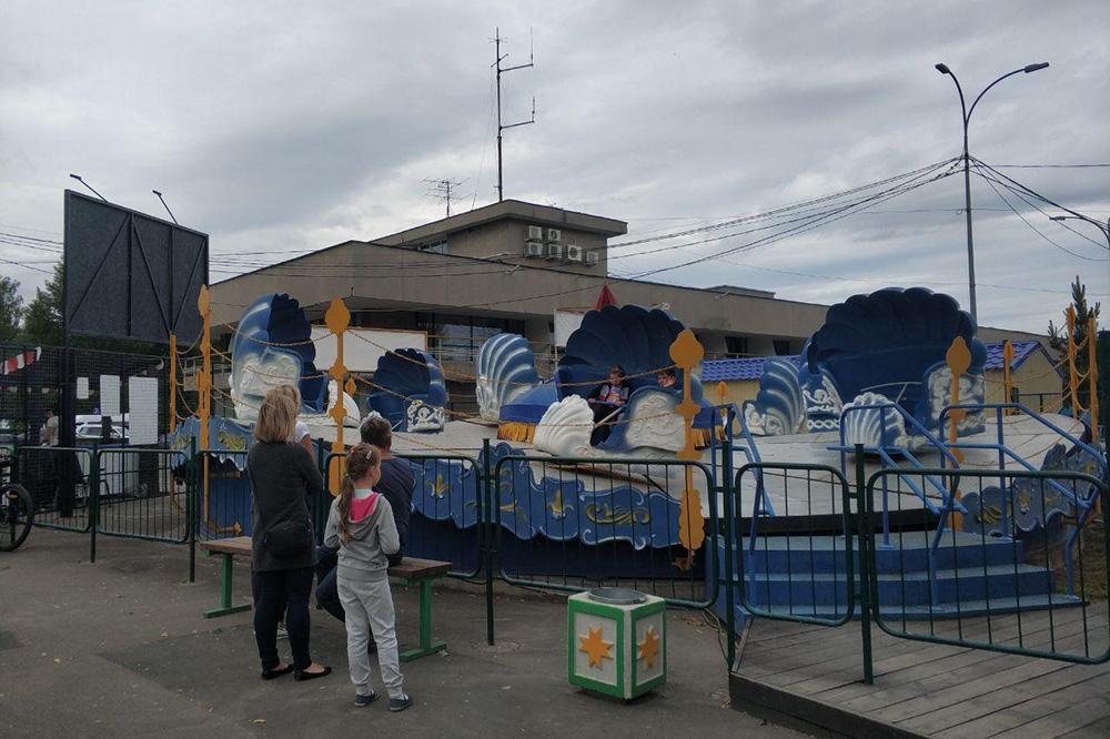 На набережной Петрозаводска есть парк аттракционов. Когда-то он был популярен