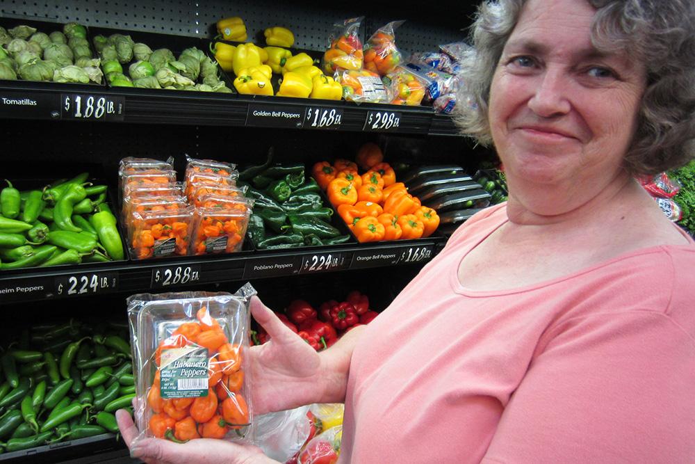 В магазине цены на овощи указаны за фунт или за штуку. Источник: Dan Ox / Flickr