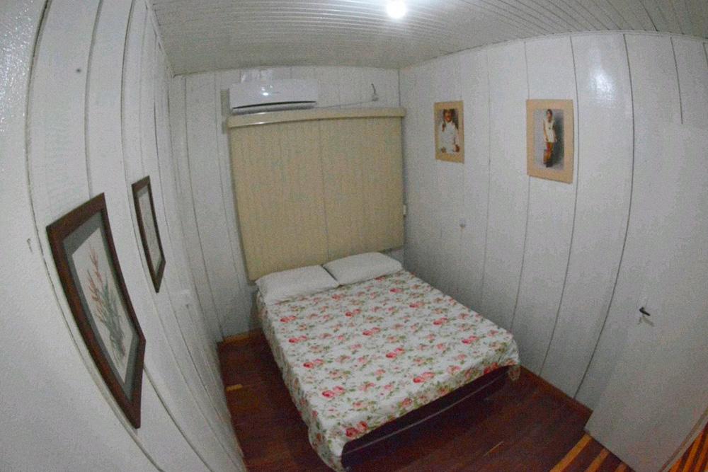 Двухместный номер с одной кроватью и общей ванной комнатой в отеле Iguassu Eco Hostel в Фос-ду-Игуасу. Фото: «Букинг»