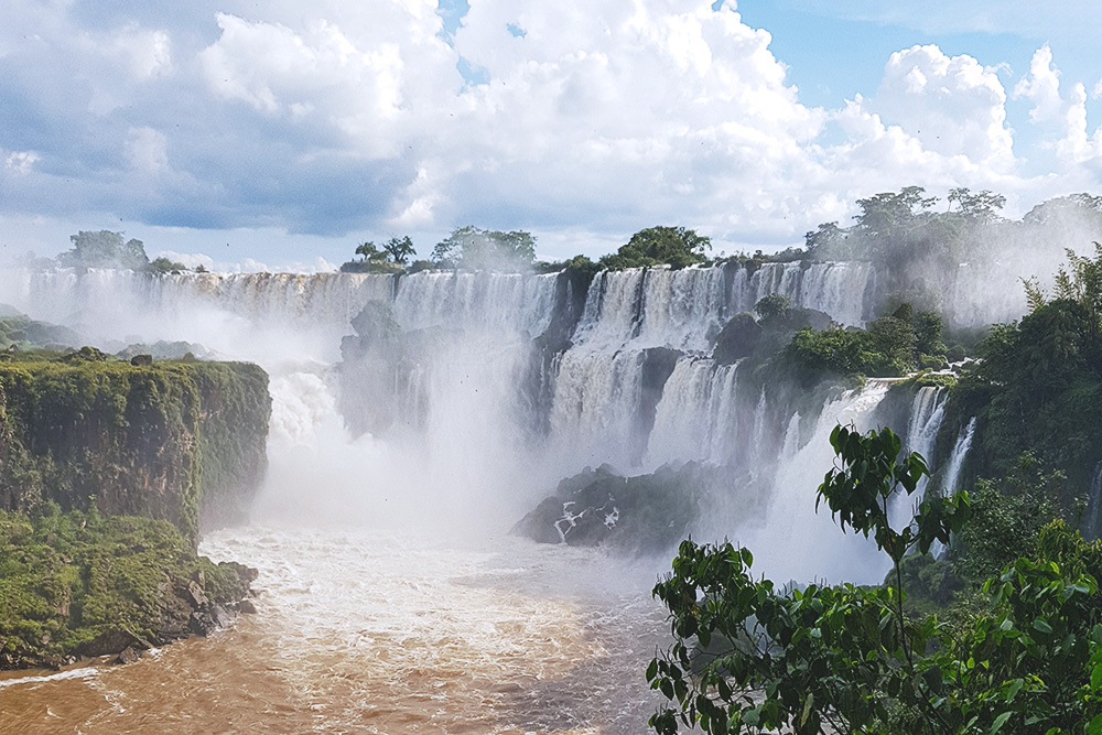 Нас очень впечатлили водопады. Это Глотка Дьявола