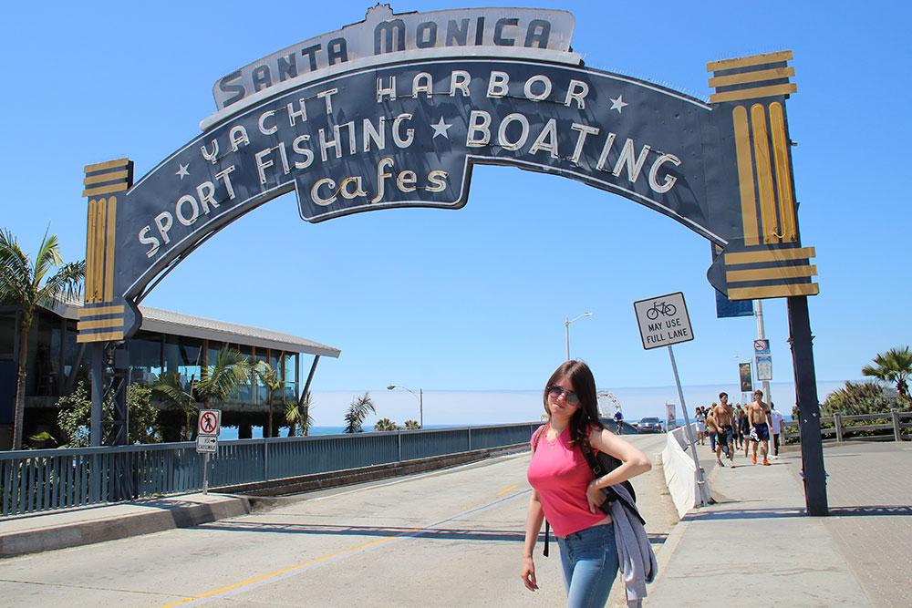 2013 год. Калифорния, Лос Анджелес. Около знаменитого пирса в Санта-Монике. Сюда прибегал Форрест Гамп, и именно здесь я работала в свою первую поездку