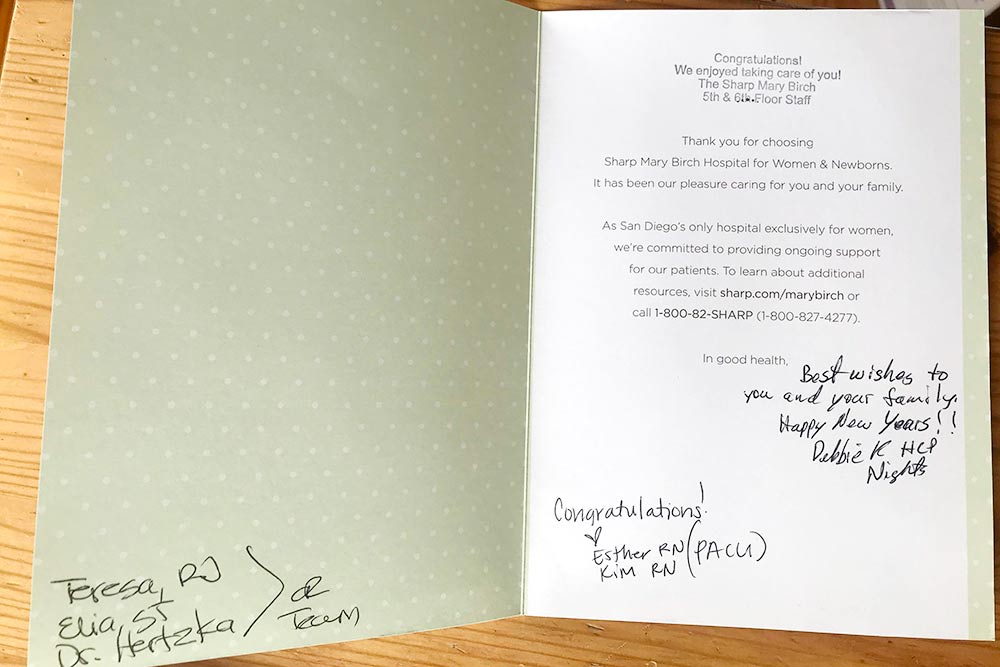 Открытка с подписью наших медсестер, которая нам пришла потом по почте