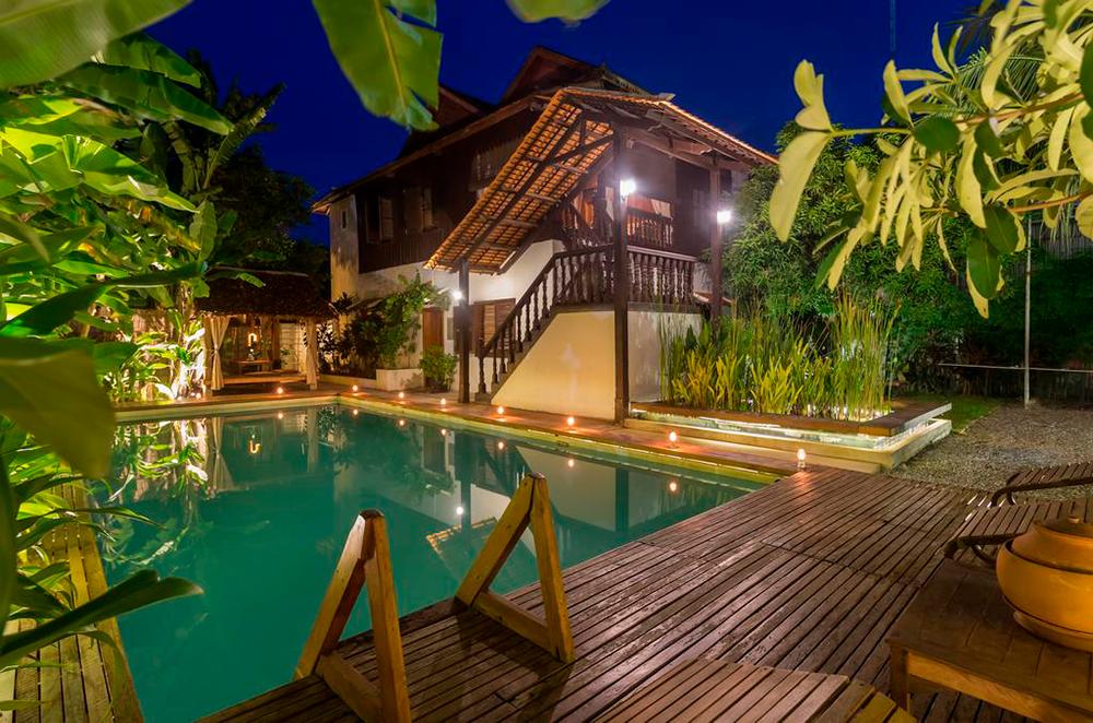 Вилла Wat Bo House в Сиемреапе с пятью спальнями на десятерых по 14 000<span class=ruble>Р</span> за ночь. Источник: Booking