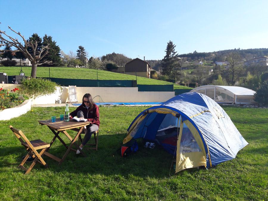 Наша палатка. В тамбуре удобно прятать вещи, чтобы не намокли, если вдруг пойдет дождь