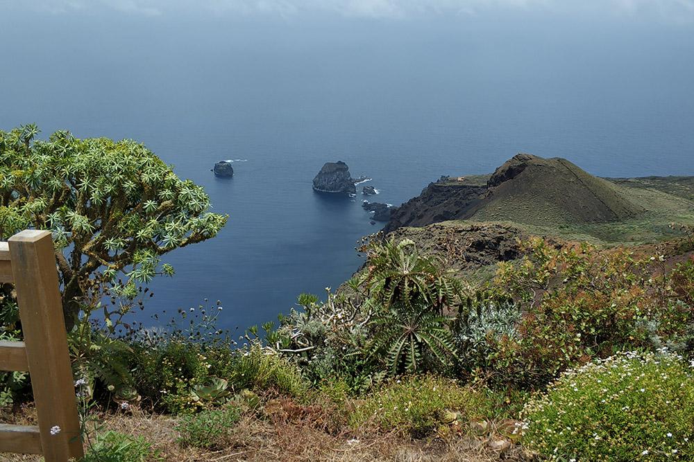 Прекрасные пейзажи острова можно увидеть в испанском сериале «Иерро» 2019 года