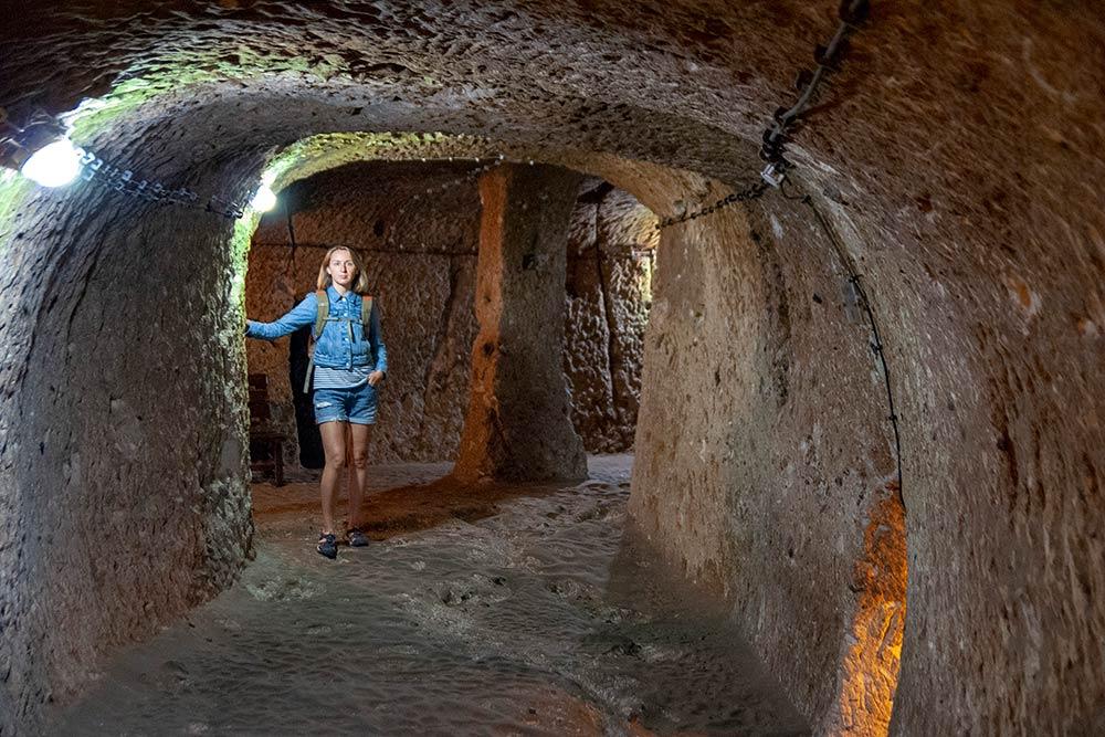 Есть предположение, что из Деринкую в Каймаклы ведет восьмикилометровый подземный проход. Но точно этого никто не знает: чтобы расчистить проход, нужны время и деньги