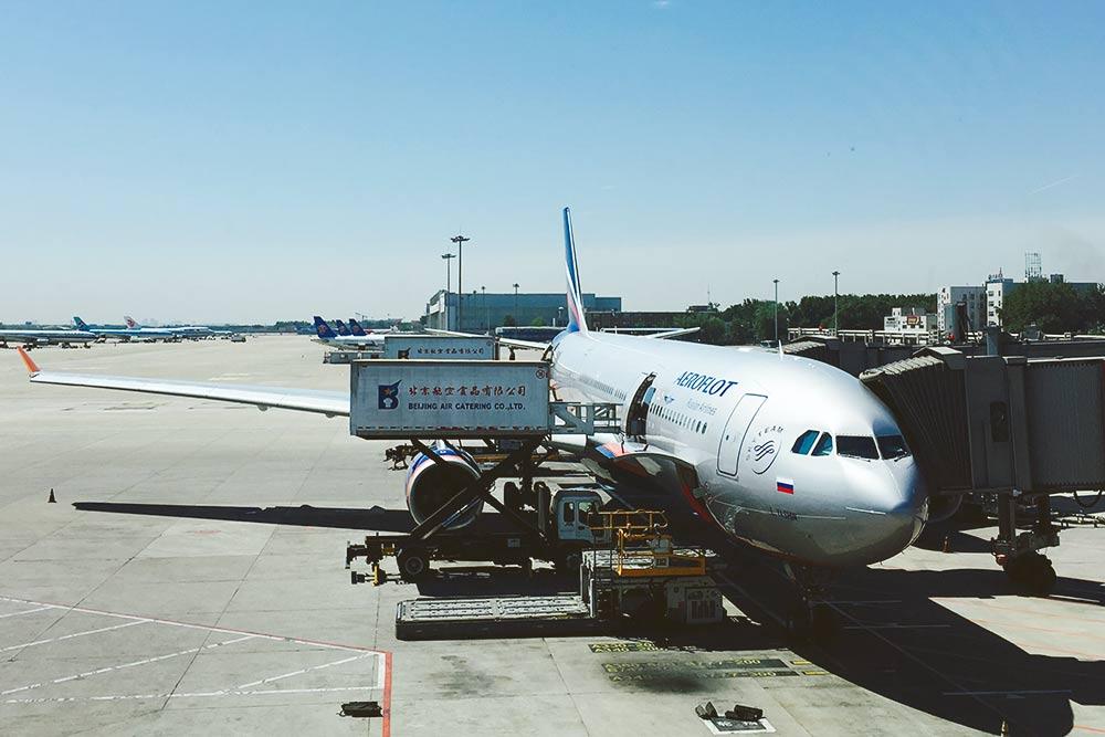 Чаще всего я летала в Москву из Пекина «Аэрофлотом». 90% пассажиров на борту — китайцы. Перелет в обе стороны в среднем обходился мне в 25 тысяч рублей