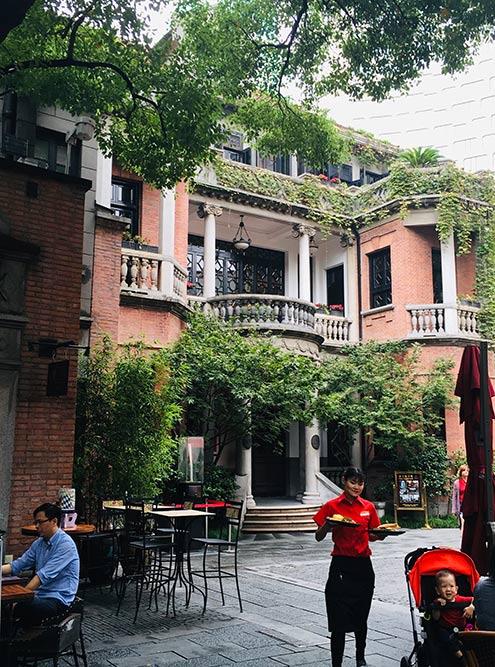 Для меня самое красивое и уютное место Шанхая — Французский квартал, или Синьтяньди