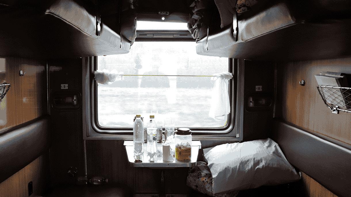 Женщинам стало душно в поезде, и они засудили перевозчика