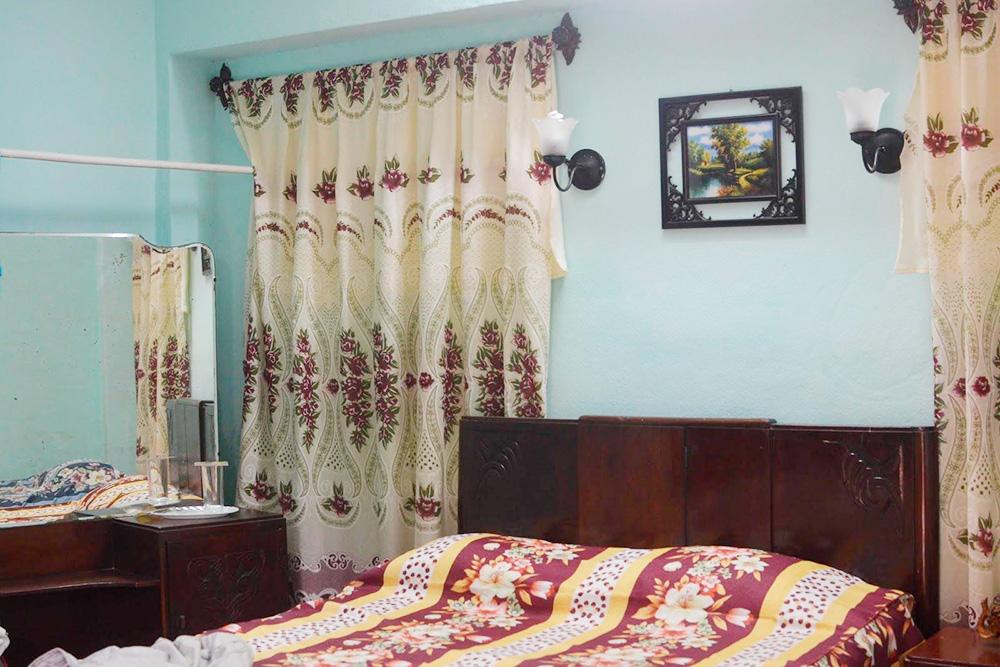 Так выглядела комната в Тринидаде. Обстановка простая, но все необходимое есть