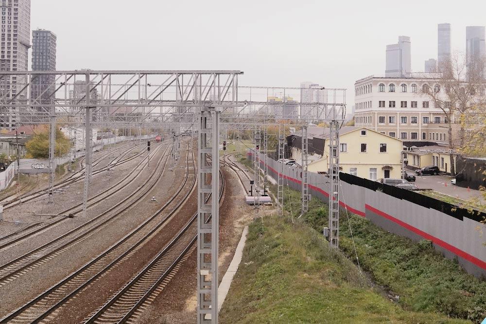 Железнодорожный мост недалеко от моей работы