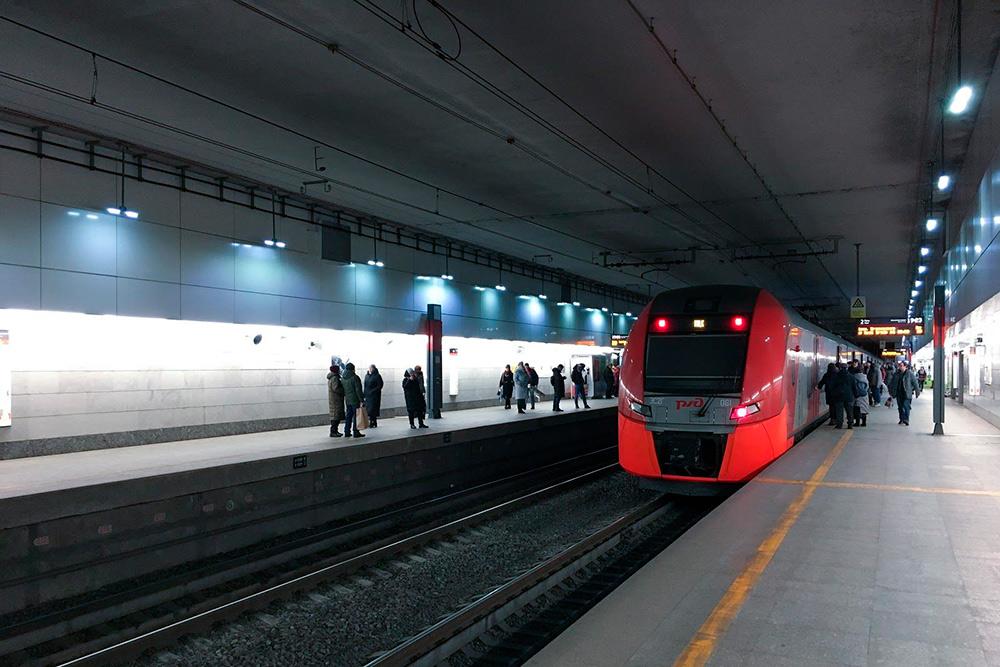 Люблю ездить на «Ласточках»: в них очень тихо в отличие от метро