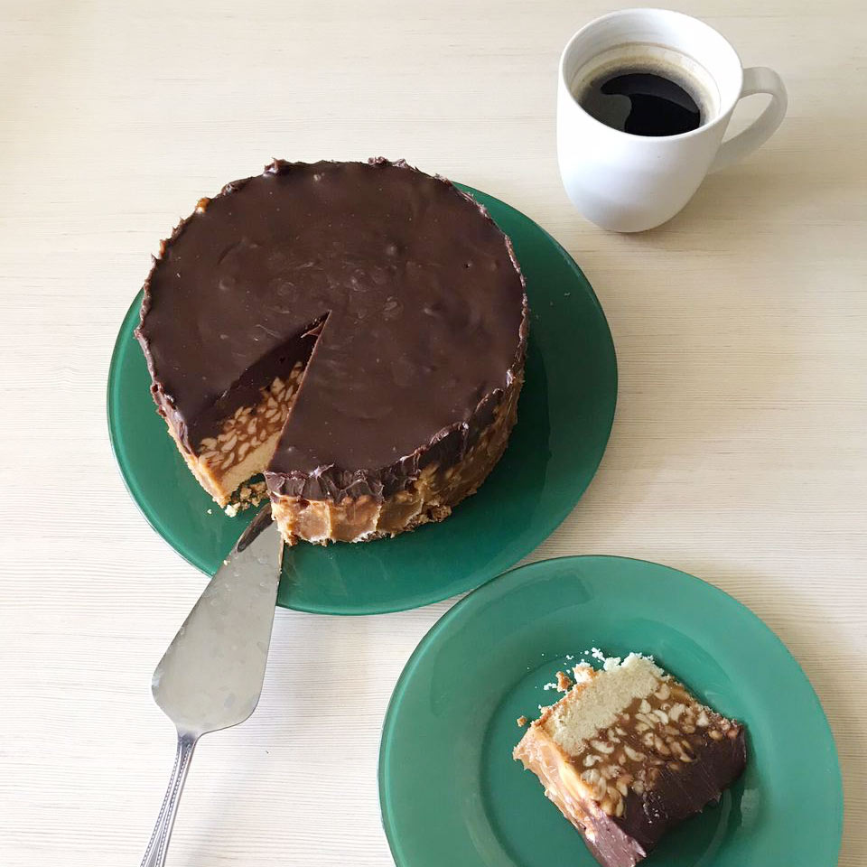 Наш торт «Сникерс»