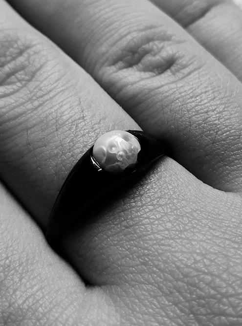 Когда я узнала прочерепок на кольце И., очень расстроилась
