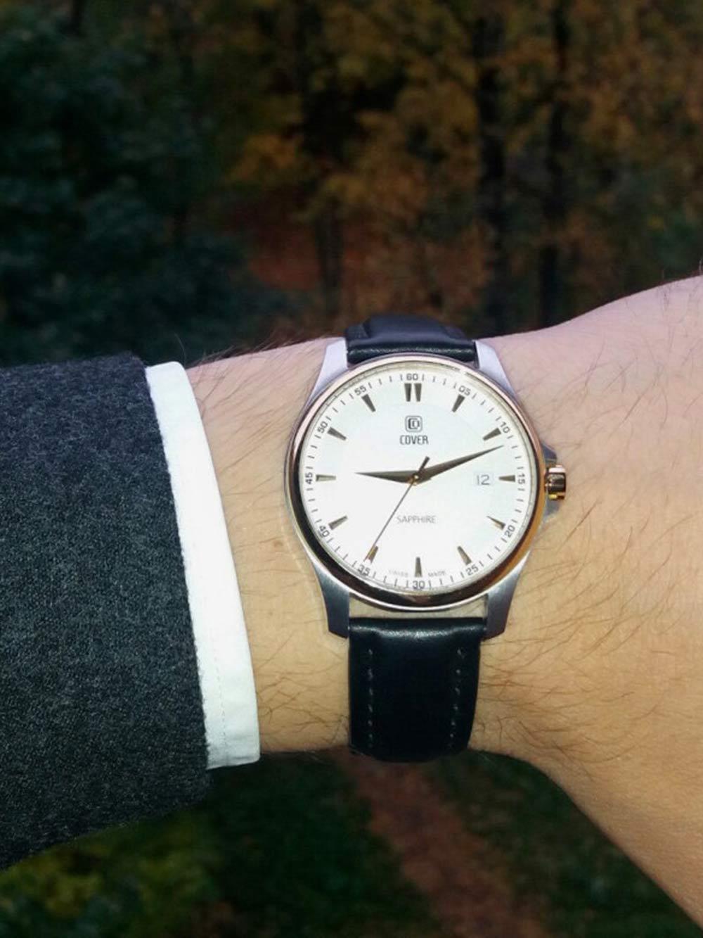 Эти часы мне подарили на «Дару-даре». Еще мне досталась оттуда электробритва, подборка виниловых дисков и многое другое