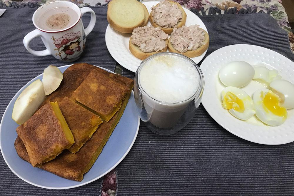 Завтракаем с дочкой