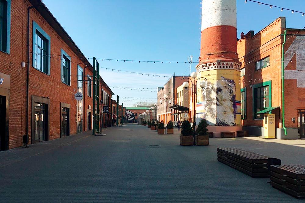 «Ликерка» — одна из новых достопримечательностей, которыми город активно обзаводится в последние годы. Мне нравится здесь гулять