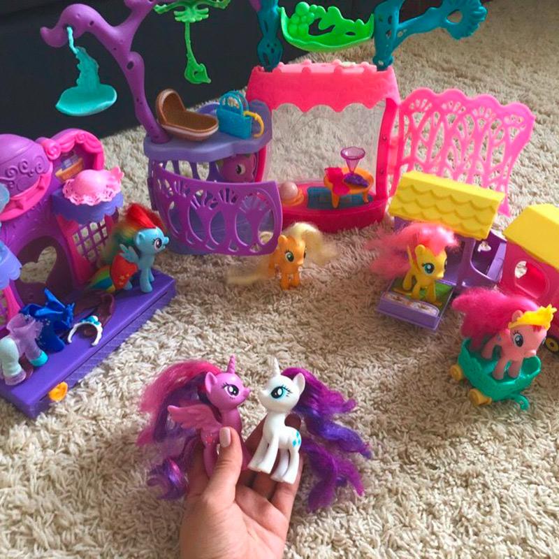 Дочь очень любит мультфильм My Little Pony