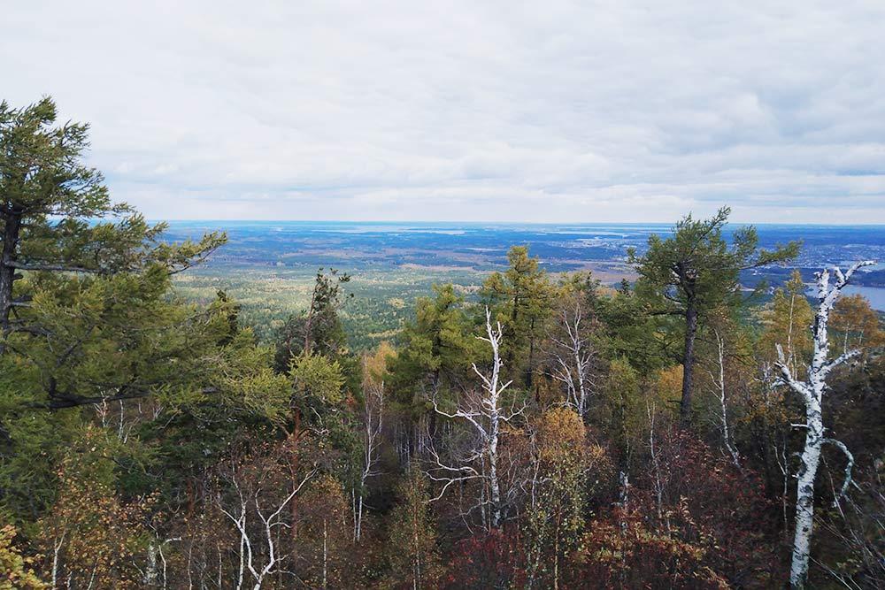 Осенний вид с горы Сугомак