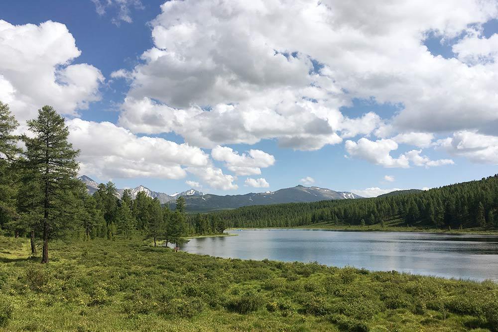 Вот он, настоящий Алтай безтолп туристов: безграничный, свободный и величественный