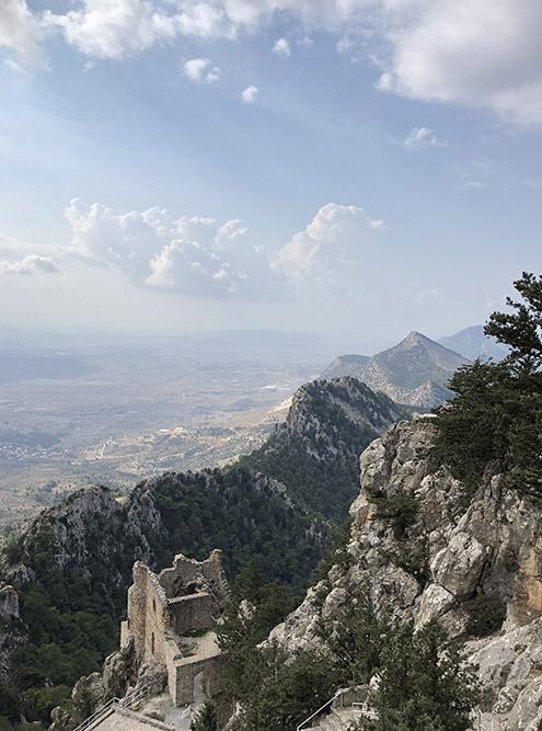 Вид на Киренийские горы из замка Буффавенто