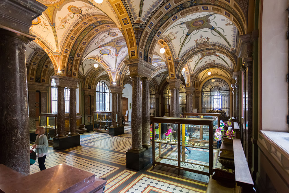 В интерьерах музея можно изучать культуру и искусство разных эпох и стран. Источник:vserg48/Shutterstock