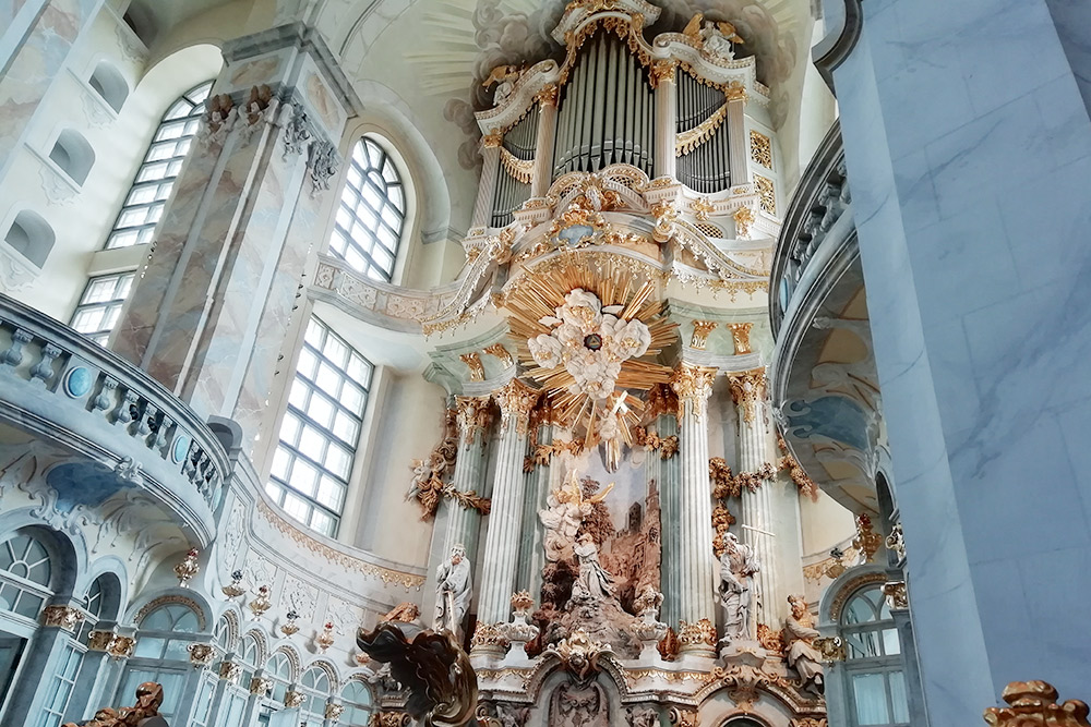 Богатый алтарь во Фрауэнкирхе