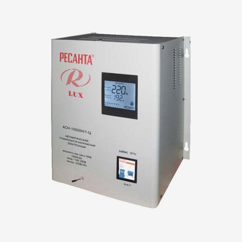 Стабилизатор напряжения подойдет для дач и частных домов: он позволяет получить выходное напряжение не менее 220 В при входном 140 В