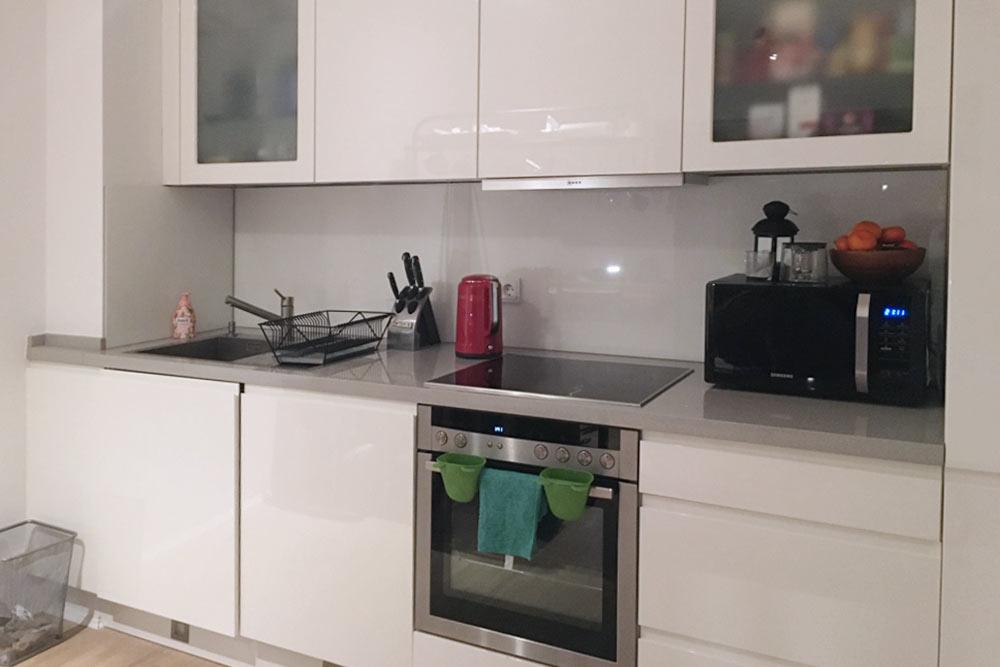 Квартира сдавалась сразу с кухней. Иногда ее нужно выкупать у предыдущих жильцов