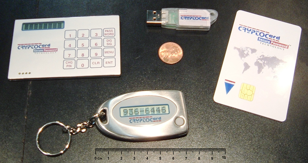 Так выглядит токен — защищенная флешка, на которой хранят сертификат электронной подписи. Фото: Википедия