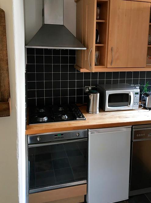 Кухня и спальня в нашей квартире