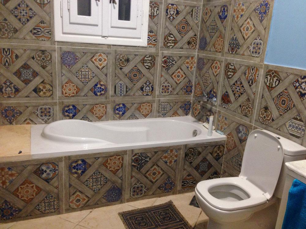 Мои друзья дождались стиральную машину, но добиться, чтобы в ванной появилась занавеска, им не удалось