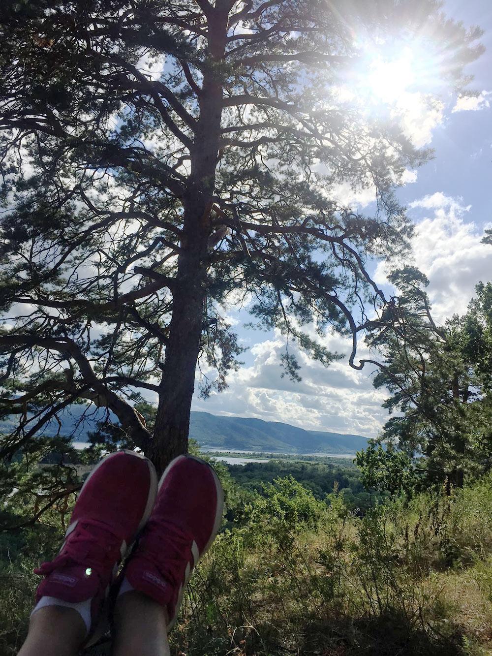 Это место с видом на Жигулевские горы мы открыли длясебя совсем недавно. Теперь в основном ездим сюда