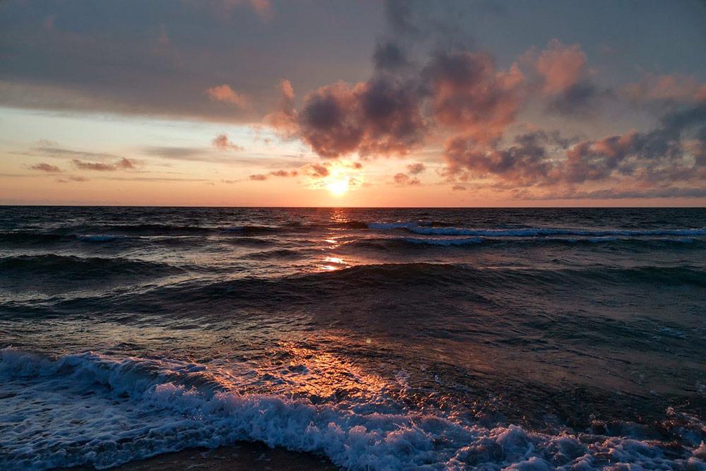 Ради таких закатов стоит приехать на Балтийское море
