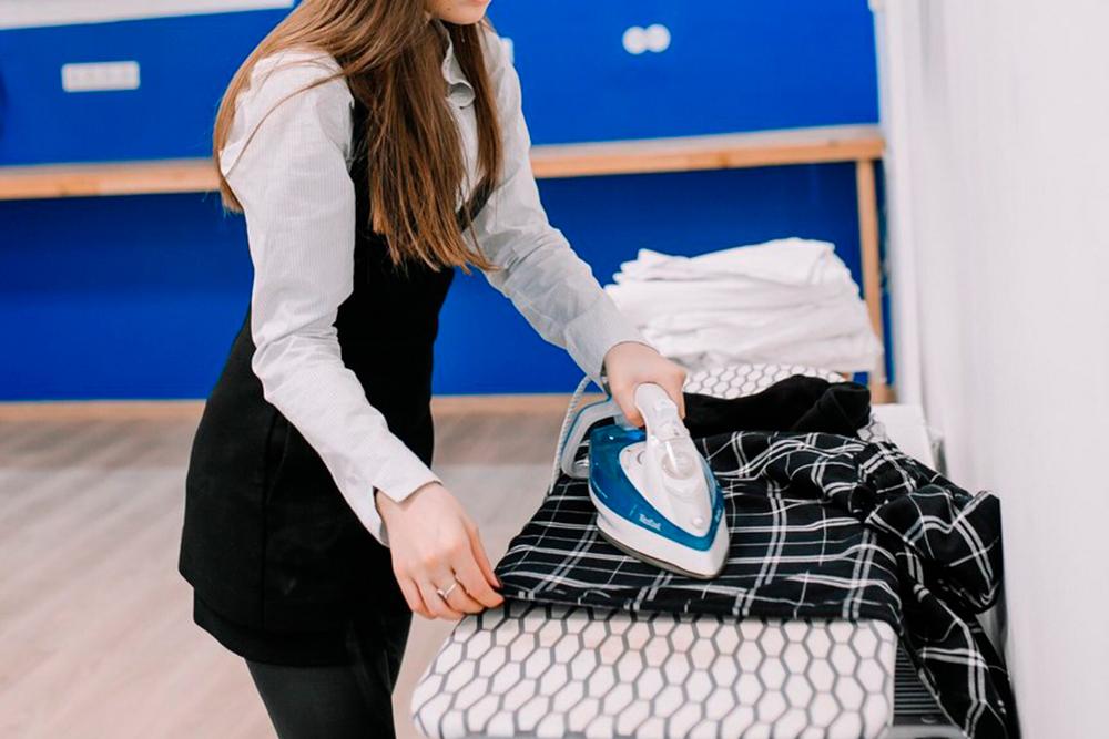 Заменить постельное белье в хостеле можно было за 100 рублей. Администратор приносил свежий поглаженный комплект