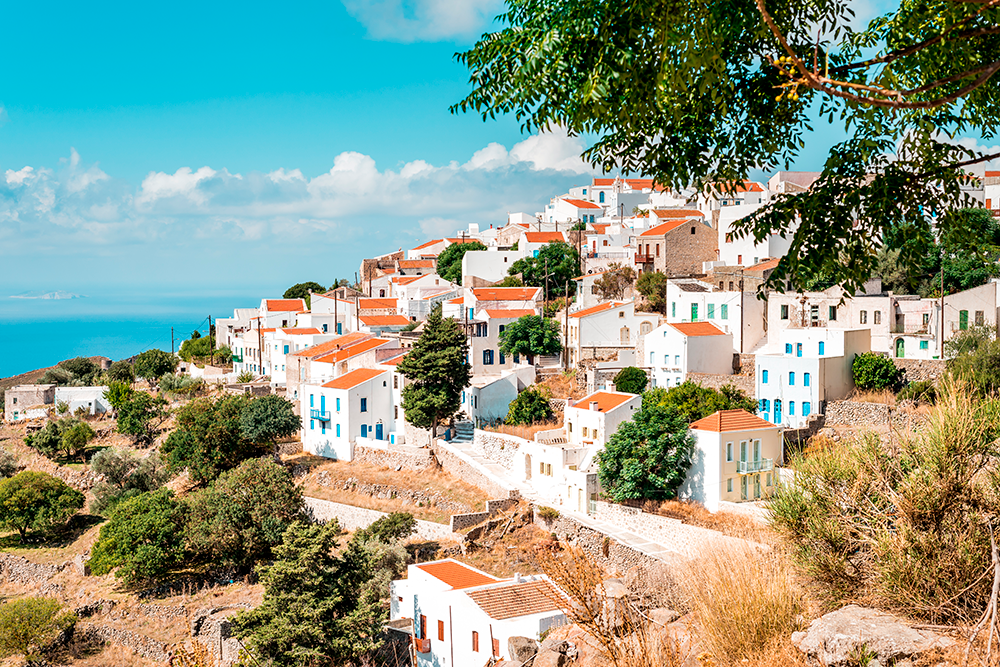 На Нисиросе есть типичные греческие деревни с маленькими белыми домами. Источник:TomJastram/Shutterstock