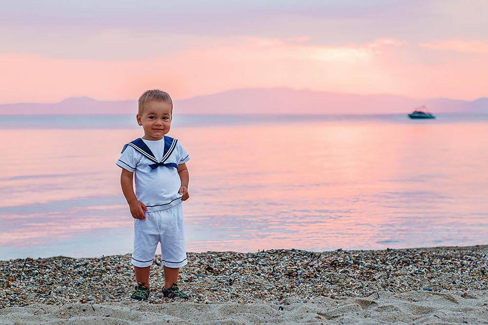 Этот кадр сделан вГреции. Чтобы поймать рассветное солнце, пришлось встать вшесть утра. Наснимке минимум фотошопа: всецвета настоящие