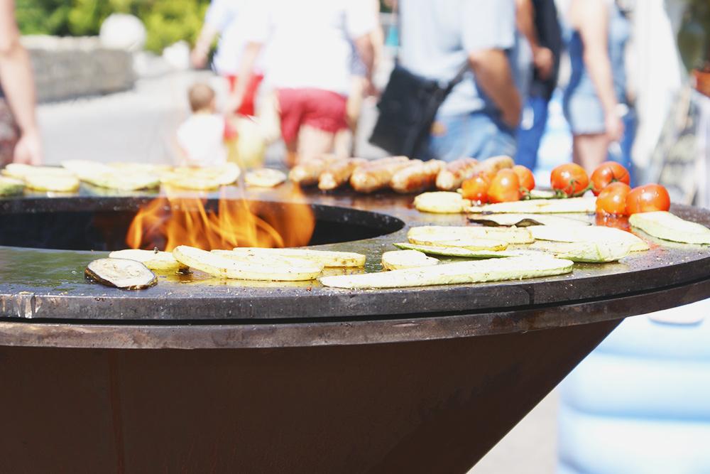 Если любите еду, тусовки на свежем воздухе и бесплатные концерты, фестивали вам, скорее всего, понравятся