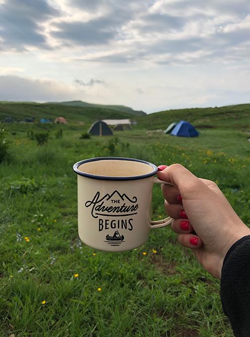 Каждое утро начиналось с похода к ручью или реке, чтобы почистить зубы и набрать воды для чая