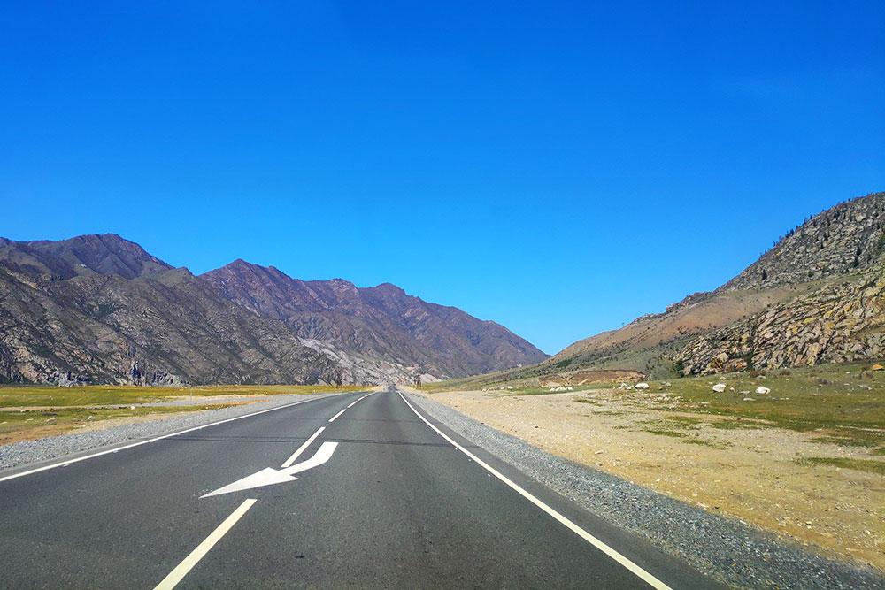 Чуйский тракт — главная дорога Горного Алтая. Он связывает Россию и Монголию