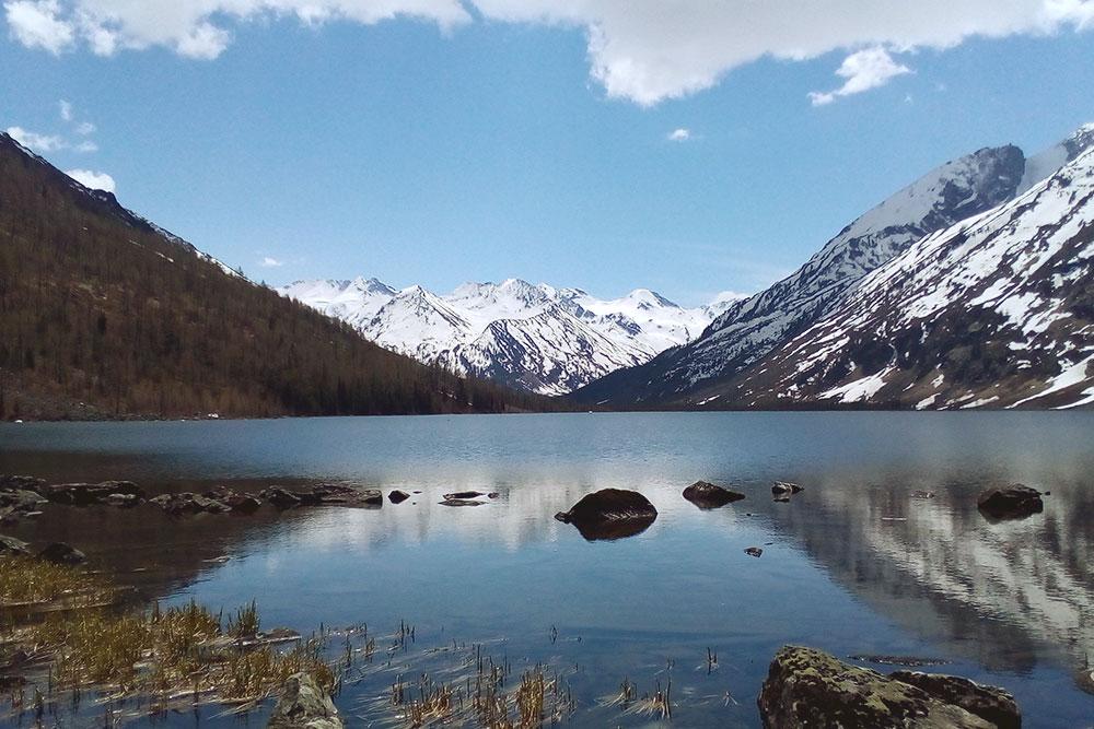 Среднее Мультинское озеро с кристально чистой водой