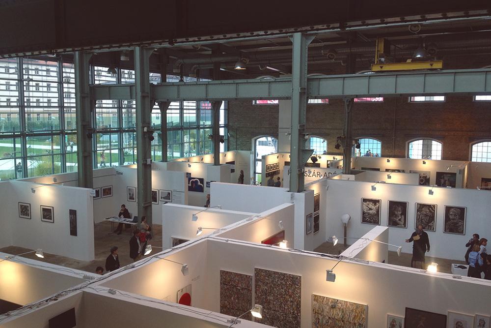 Art Market проходит в выставочном центре Millenaris