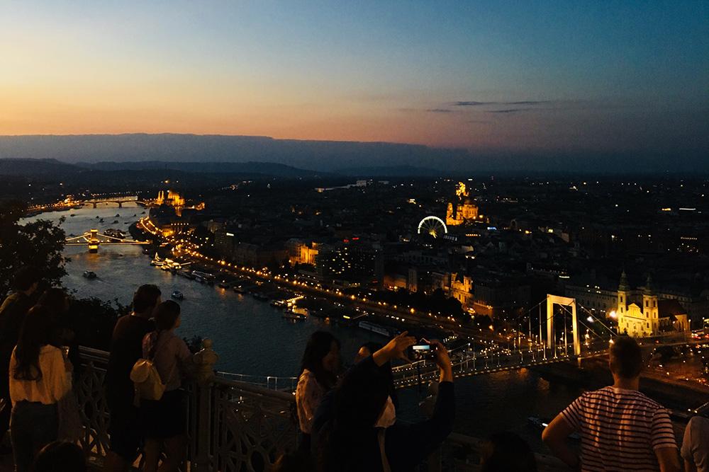 Ночью Будапешт особенно красив