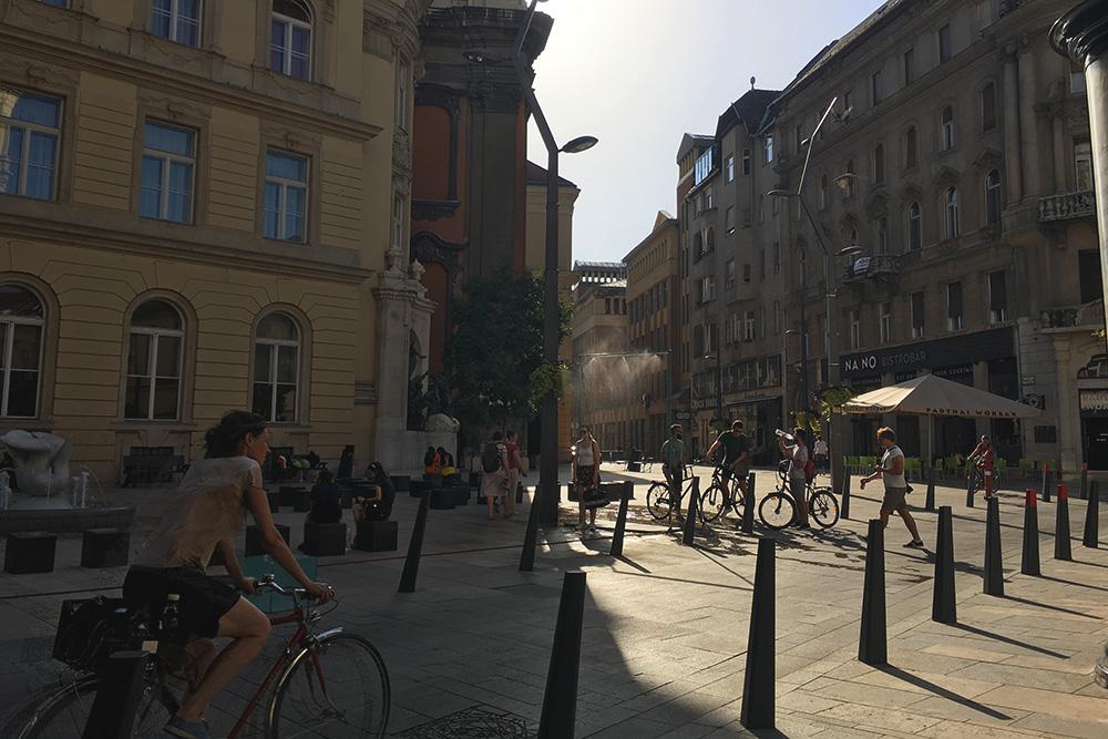 В Будапеште много велосипедистов
