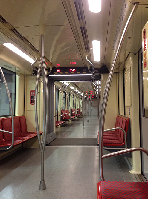 В метро Будапешта чисто и просторно