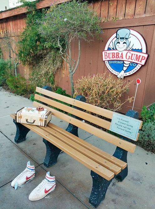 В Монтерее есть ресторан морепродуктов американской сети, которая появилась после выхода «Форреста Гампа»